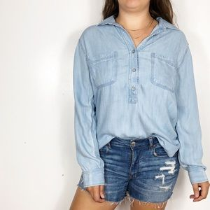 LOU & GREY Blue Chambray Quarter Button Up Blouse